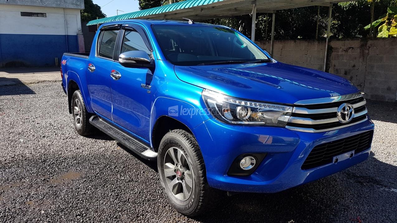 Suzuki Car Dealership >> Dealership Second-Hand Toyota Hilux 2015 - lexpresscars.mu