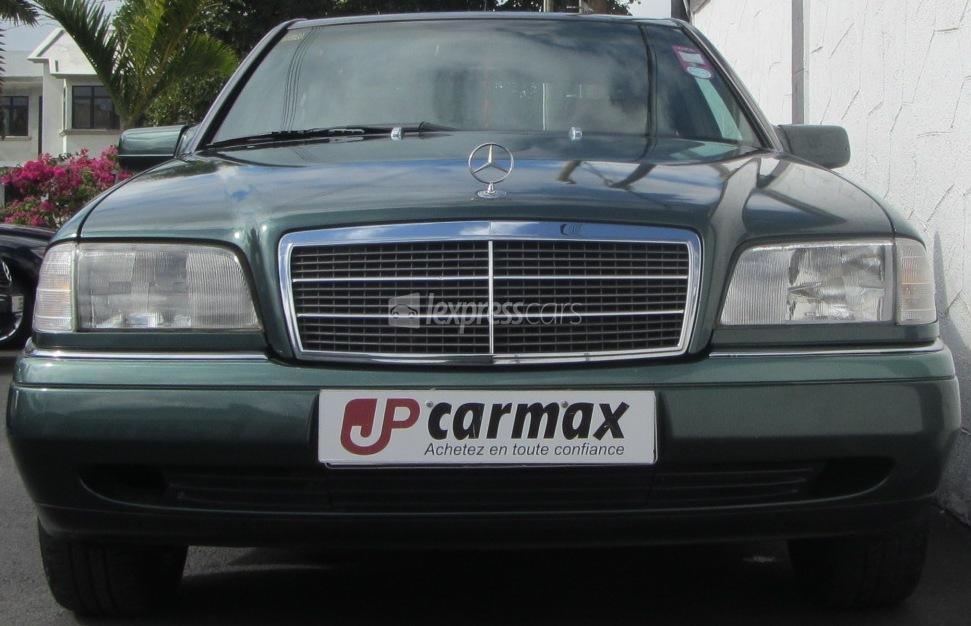 Dealership second hand mercedes benz c180 1994 for Mercedes benz car dealers