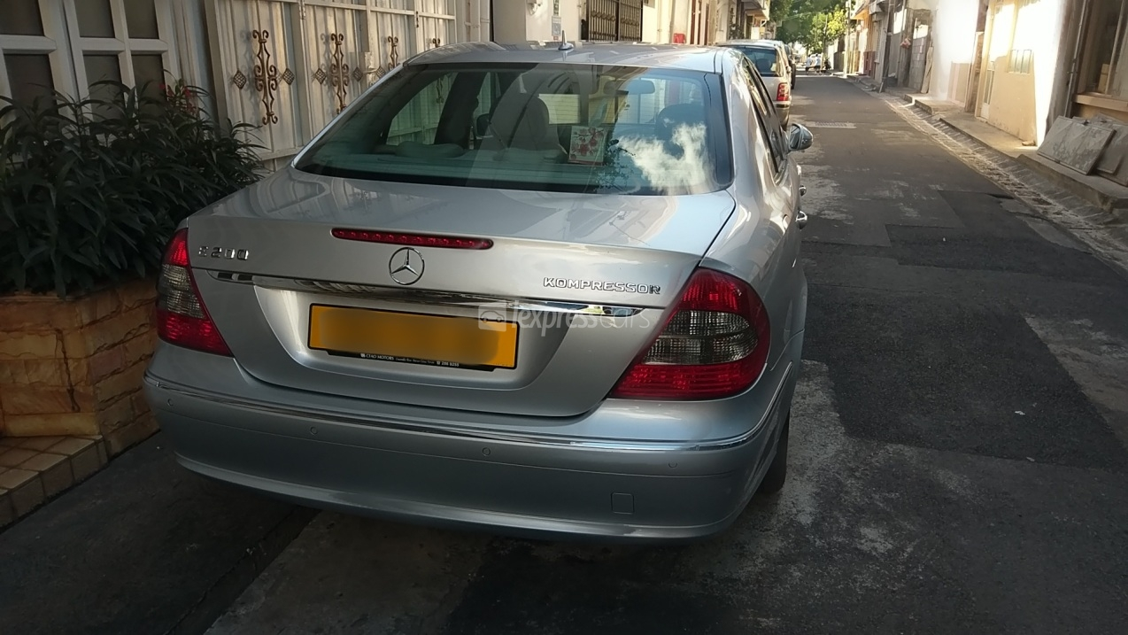 Second hand mercedes benz e class 2008 for Mercedes benz 2nd hand