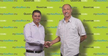 Deeraj Heeraman - directeur de My Chauffeur et Ashok Prayag - CEO de Quantum Insurance (002) lexpresscars.mu