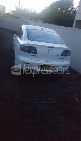 Second-Hand Mazda Axela 2007 full