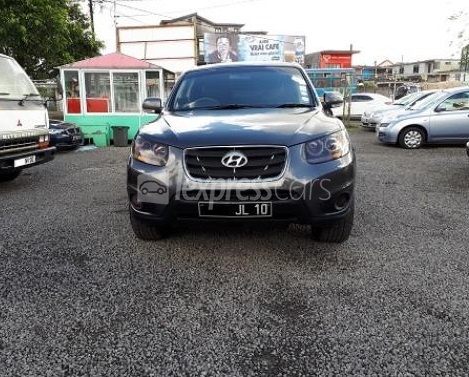 Second-Hand Hyundai Santa Fe 2010 full