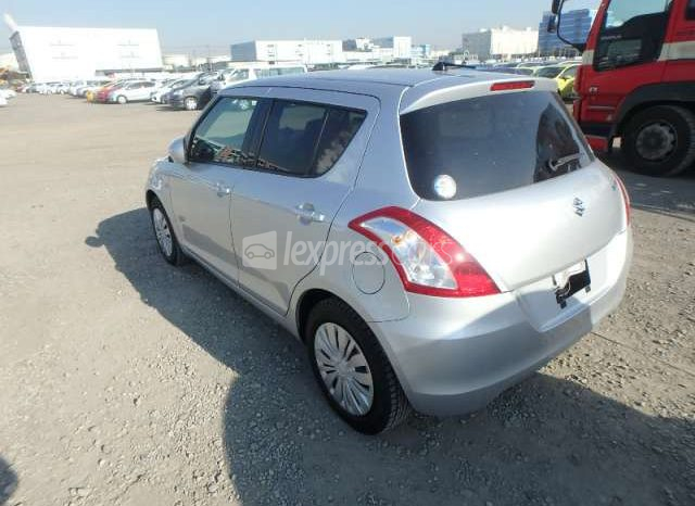 Dealership Second Hand Suzuki Swift 2015 full