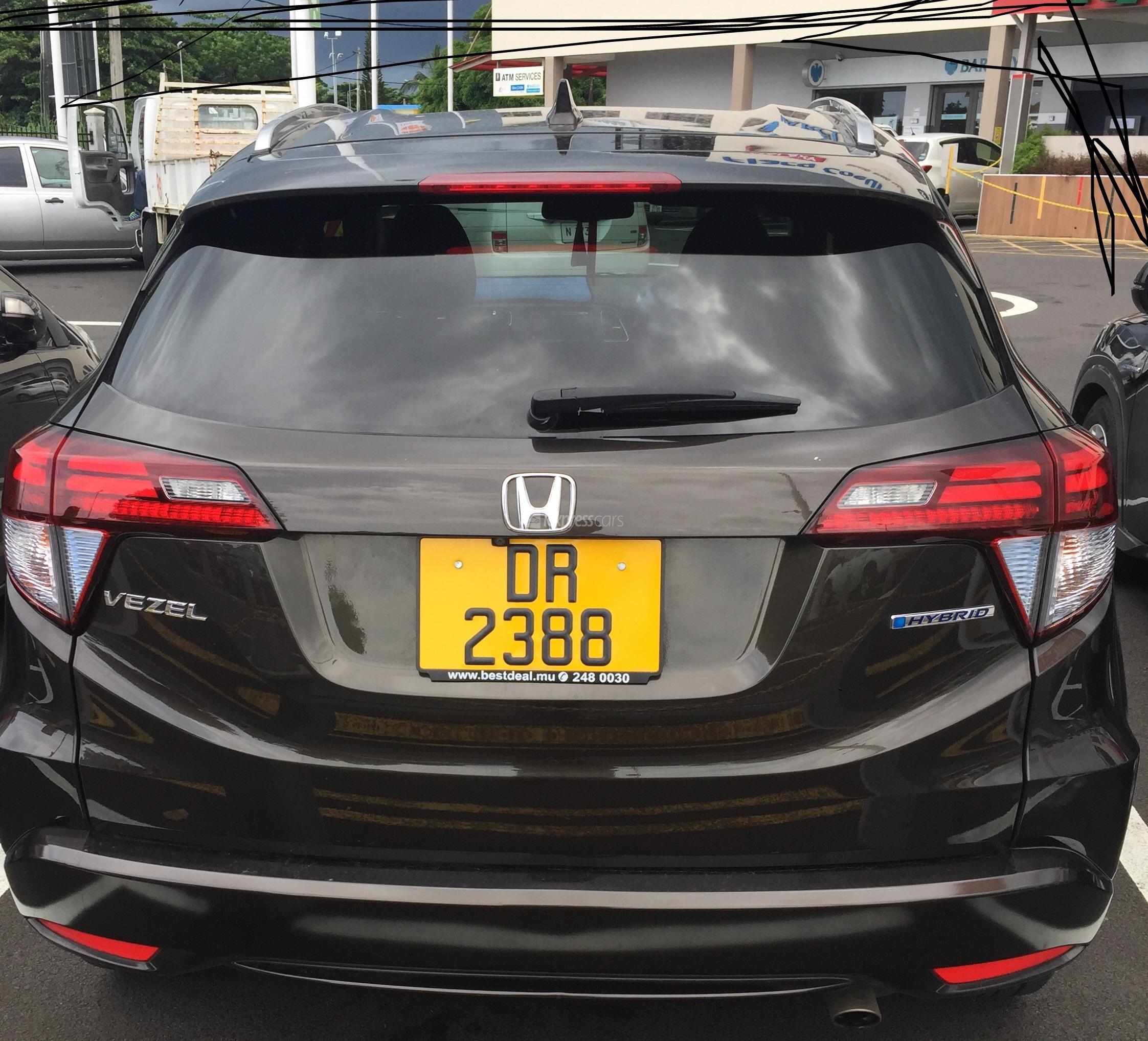 Second-Hand Honda Vezel / HR-V 2015 - lexpresscars.mu