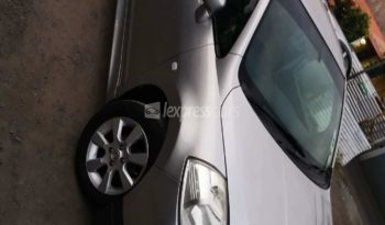 Second-Hand Nissan Tiida Latio 2005 full
