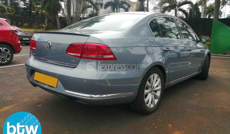 Dealership Second Hand Volkswagen Passat 2012 full