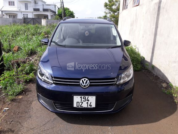Second-Hand Volkswagen Touran 2014 full