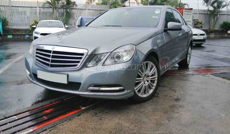 Dealership Second Hand Mercedes-Benz E200 2013 full