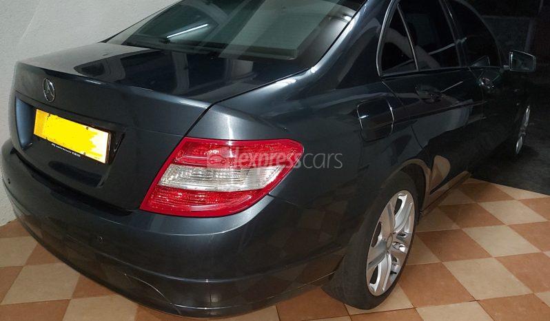 Second-Hand Mercedes-Benz C180 2010 full