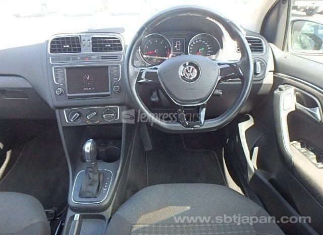 Dealership Second Hand Volkswagen Polo 2015 full
