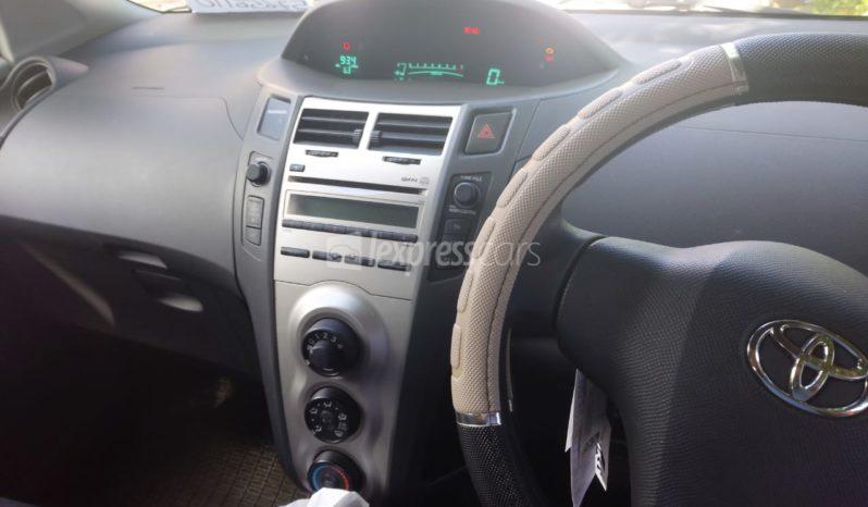 Second-Hand Toyota Yaris 2011 full